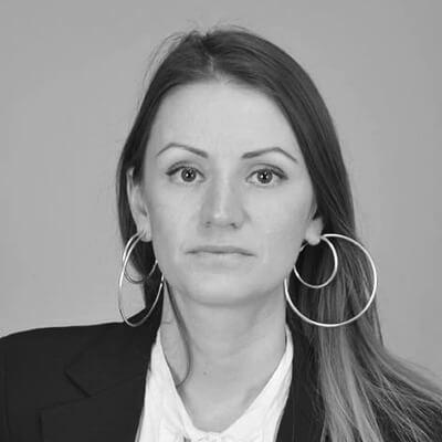 Гълъбина Стоянова